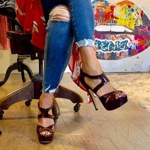 ❤️HP❤️ MIU MIU Patent Leather Platform Heel